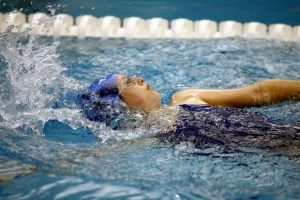 "alt=""backstroke female swimmer"""